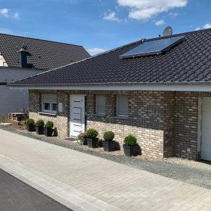 Foto Neubau Einfamilienhaus vorne